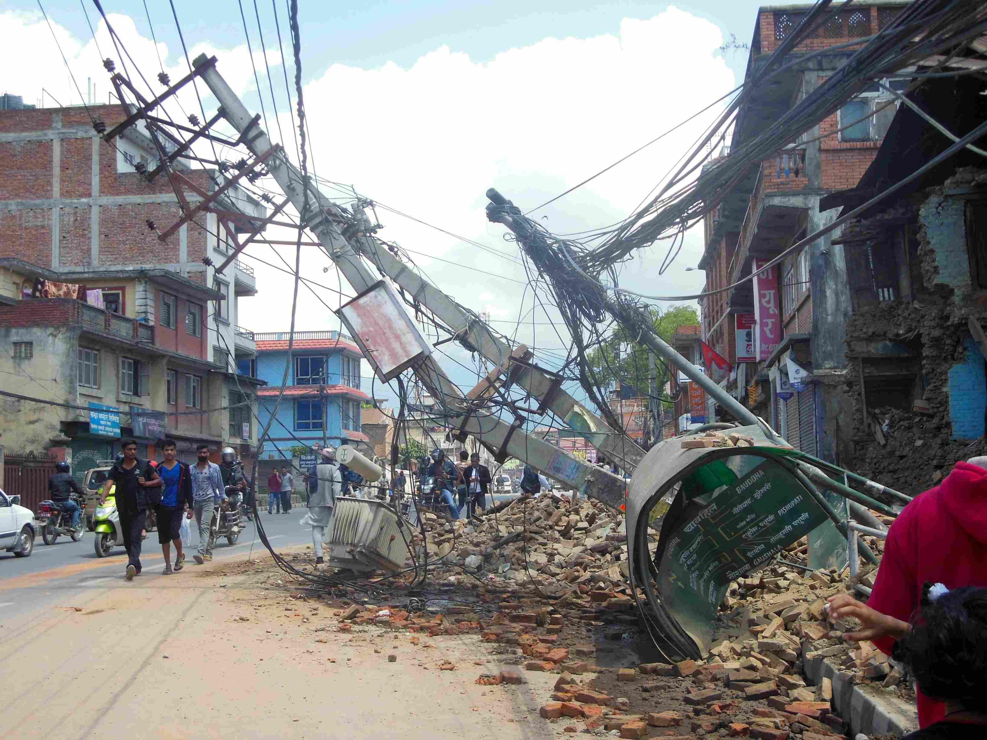 aardbeving25april-03